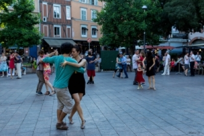 Street show, initiation and dance : Tango en el Barrio (by Tangueando Toulouse)