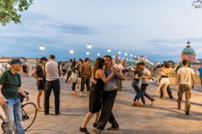 Tango and history walk- BY NIGHT!